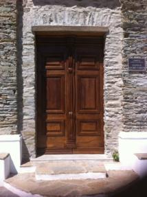 nouvelle porte de la chapelle